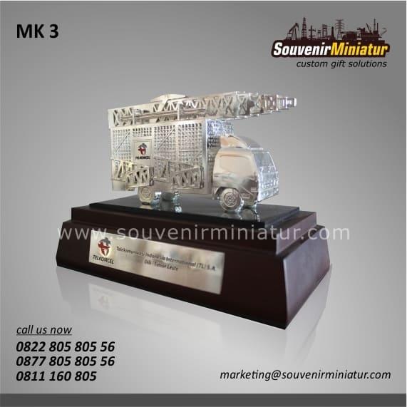 souvenir miniatur kendaraan telkomcel