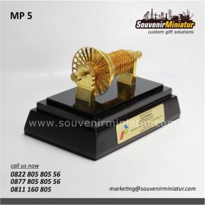 Souvenir Miniatur Turbin Pertamina