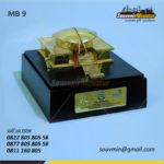 Souvenir Miniatur Bangunan MPR