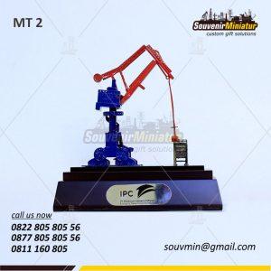 Souvenir Miniatur Crane Pelabuhan I