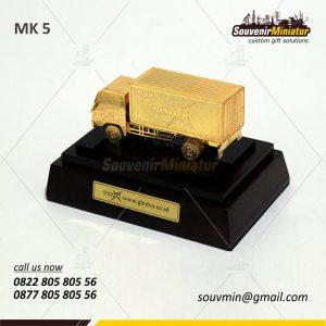 Souvenir Miniatur Kendaraan Truk Gl