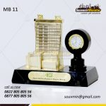 Souvenir Miniatur Hotel Santika Premiere Hayam Wuruk Jam Meja