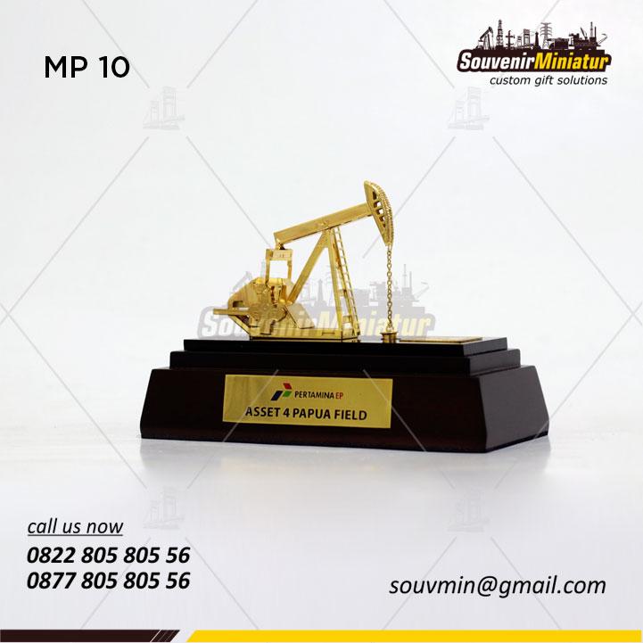 Souvenir Miniatur Angguk Kecil PT Pertamina Asset 4 Papua Field