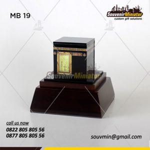 Souvenir Miniatur Bangunan Kabah