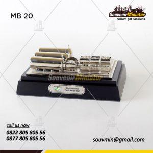 Souvenir Miniatur Bangunan Pabrik K