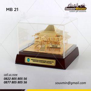 Souvenir Miniatur Rumah Adat Ogan Ilir Sumatera Selatan