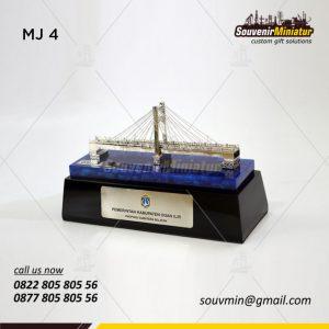 Miniatur Jembatan Ogan Ilir Tanjung