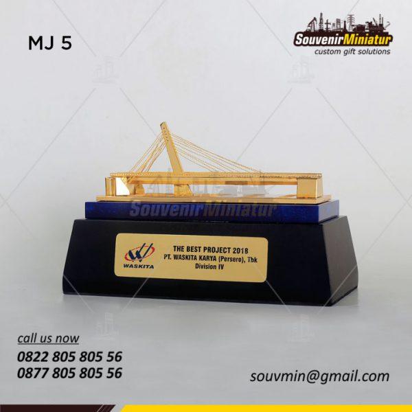 Miniatur Jembatan The Best Project PT Waskita Karya