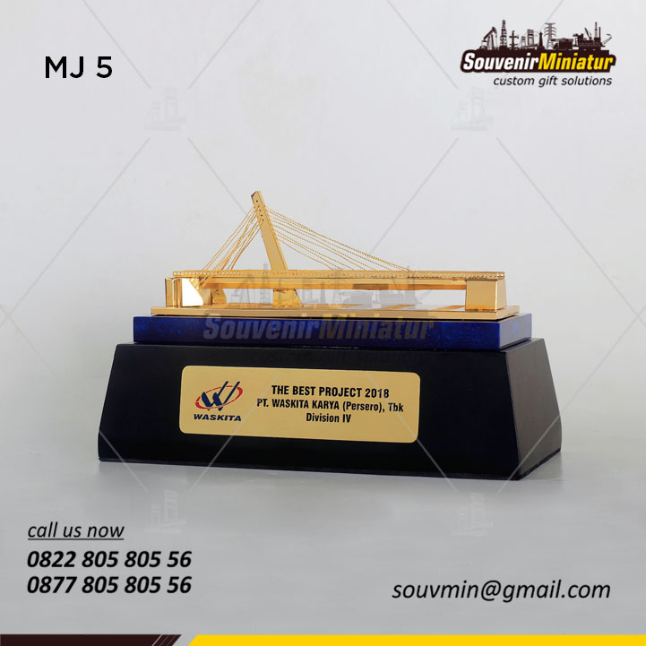 Miniatur Jembatan The Best Project PT Waskita Karya