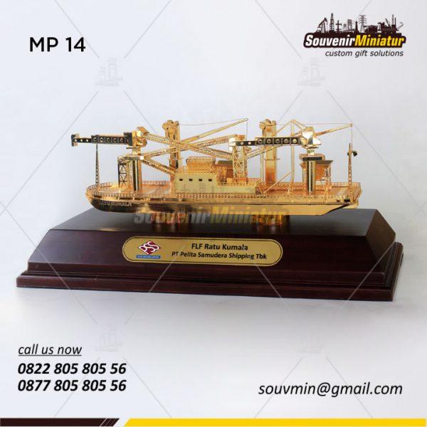 Souvenir Miniatur Kapal Pertambangan FLF Ratu Kumala PT Pelita Samudera Shipping