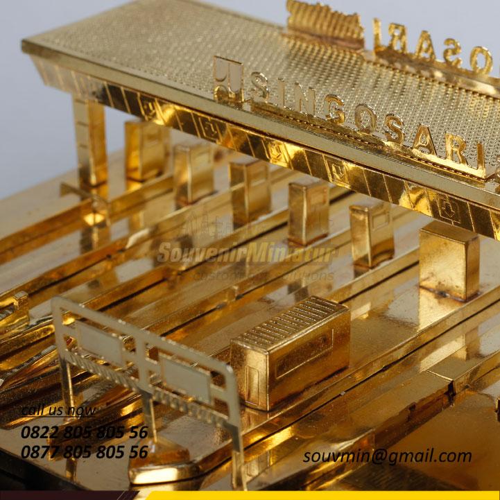 Souvenir Miniatur Gerbang Tol Singosari Custom
