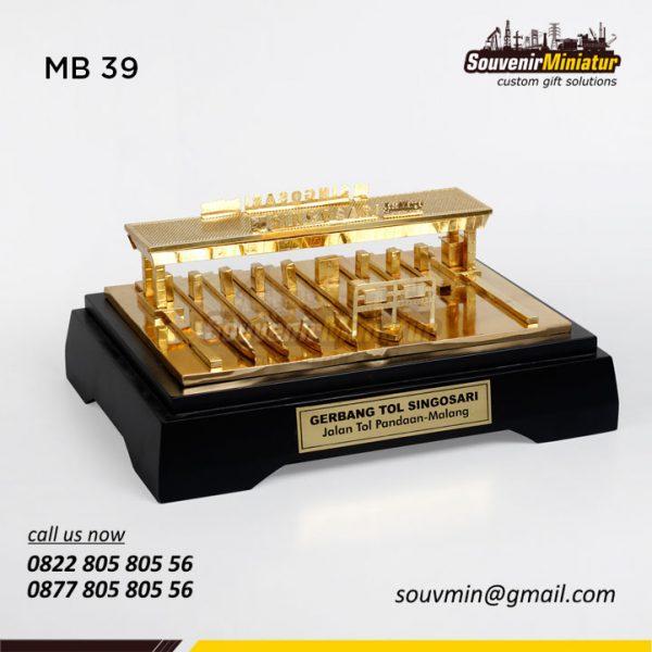 MB39 Miniatur Bangunan Gerbang Tol Singosari