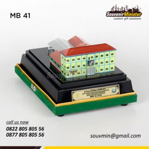 MB41 Miniatur Gedung Sekolah MBS Klaten