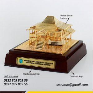 MB42 Miniatur Rumah Adat Kabupaten Ogan Ilir Sumatera Selatan