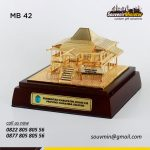 Souvenir Miniatur Rumah Adat Ogan