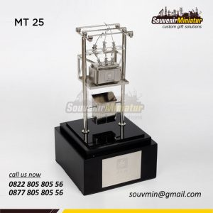 Souvenir Miniatur Trafo PLN