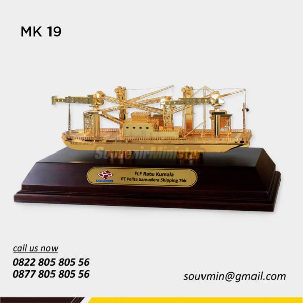 Miniatur Kapal FLF Ratu Kumala PT Pelita Samudera Shipping