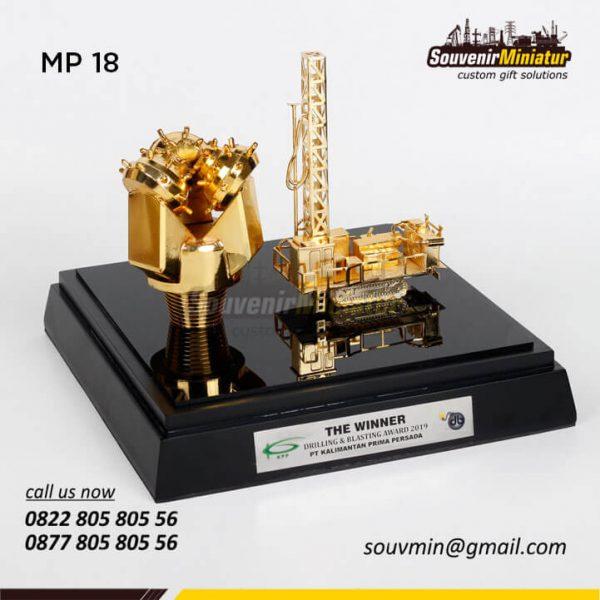 MP18 Miniatur Pertambangan Drilling Oil PT Kalimantan Prima Persada