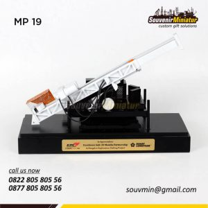 Souvenir Miniatur Drilling BatuBara
