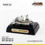 Souvenir Miniatur Bulldozer Adaro
