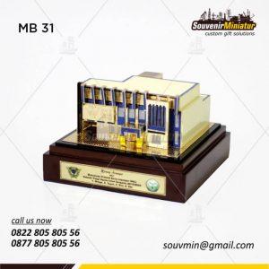 Souvenir Miniatur Gedung Bea Cukai