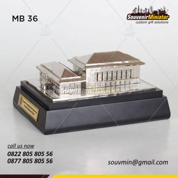 Miniatur Gedung Bank Indonesia Kalimantan Timur