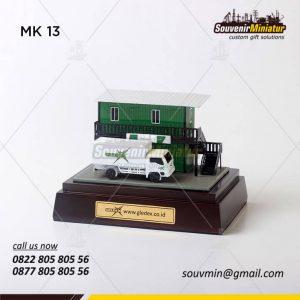 Miniatur Kendaraan Truk Gledex