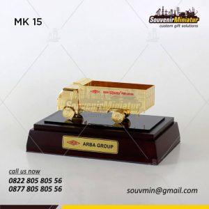 truk miniatur