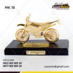 Miniatur Motor sebagai Souvenir Perusahaan