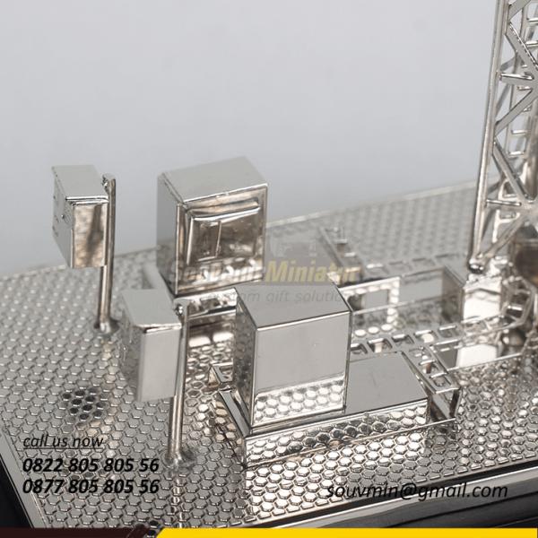 Detail Miniatur Tower BTS Protelindo