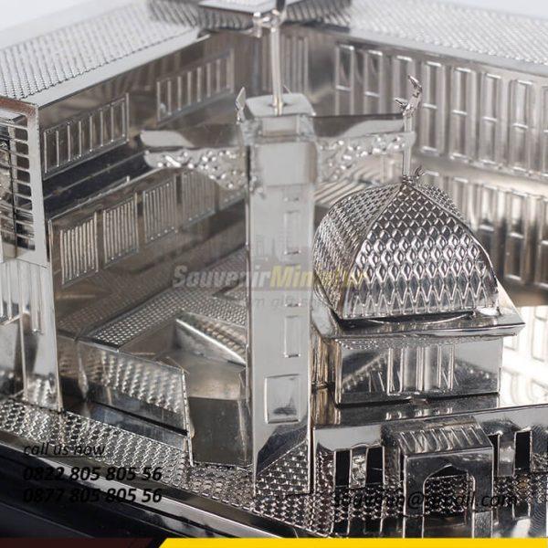 Detail Zoom Miniatur Rumah Sakit Islam Sultan Agung