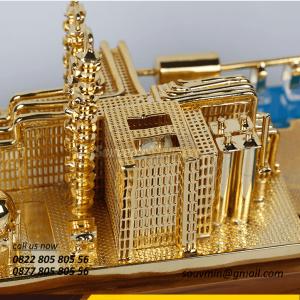 Souvenir Miniatur Kilang Minyak Per