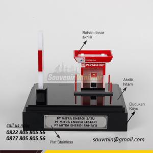 Souvenir Miniatur SPBU Pertashop