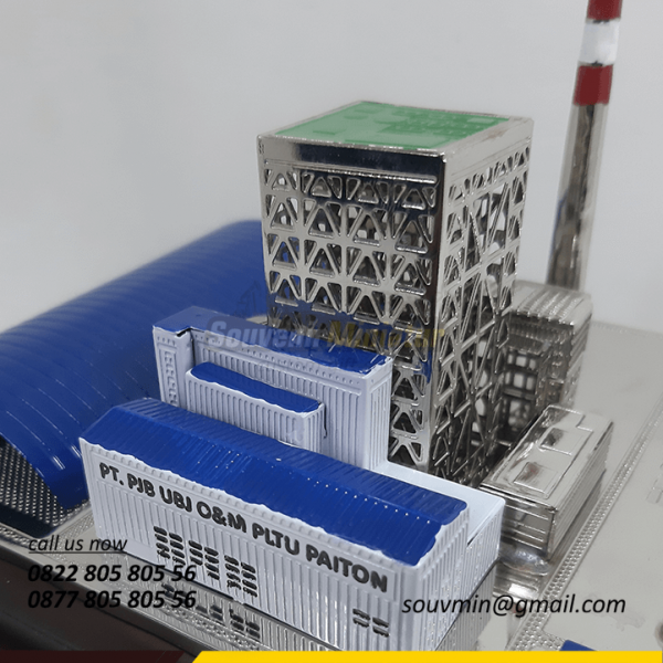 Detail Atas Souvenir Miniatur Pertambangan PLTU PAITON