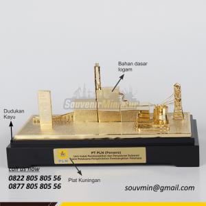 Souvenir Miniatur Unit Induk PLN Sulawesi