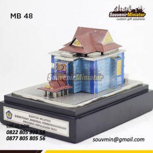 Souvenir Miniatur Bangunan Kantor Wilayah DJP Provinsi Riau
