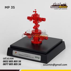 Souvenir Miniatur Pertambangan Wheelhead SK Migas