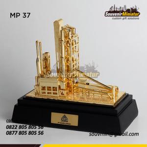 Souvenir Miniatur Pertambangan PT S