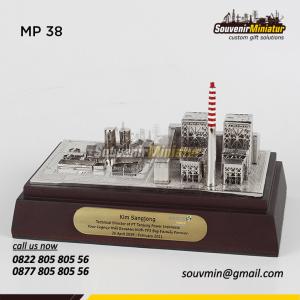 Souvenir Miniatur Pertambangan PT T